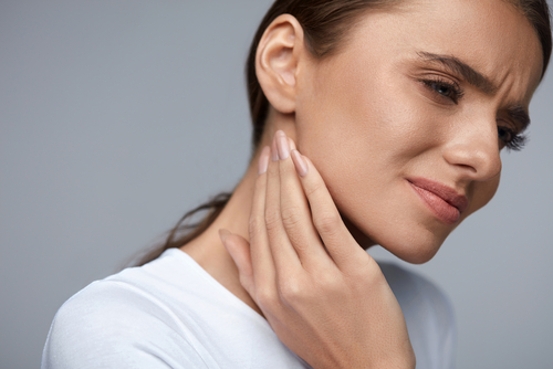 woman with TMJ pain
